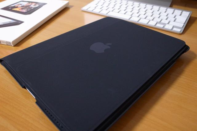 iPad純正ケース(Apple iPad Case)の写真