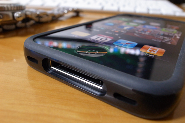 iPhone4 純正 バンパーの写真