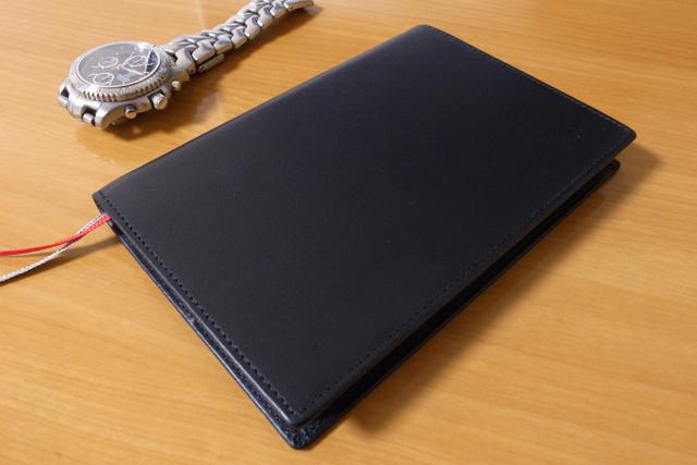 X47スリムラインA6 ベーシックタイプ(色:ブラック、カバー素材:本 革【ナッパ革】)の写真