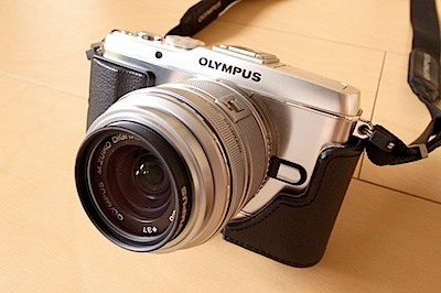 OLYMPUS Leather Body Jacket For E-P3(CS-30B BLK)の写真