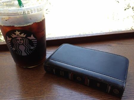 スタバの珈琲と、BookBook iPhone4Sの写真