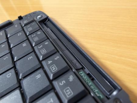 ELECOM iPhone用 Bluetooth キーボード(TK-FBP019E)の写真
