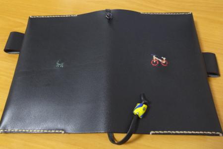 ほぼ日手帳 アンリさんの革カバーの写真