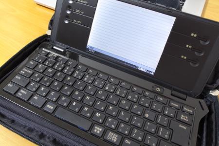 PFU ハードケースDXとpomera DM100の写真